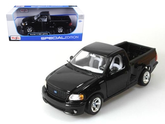 Ford F-150 SVT Lightning Black Pick Up Truck 1:21