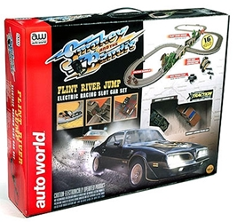 Smokey And The Bandit - Flint River Jump Slot Car Race Set (1:64)