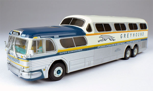 1960 Greyhound PD 4501 Scenicruiser Bus Special  (1:87)