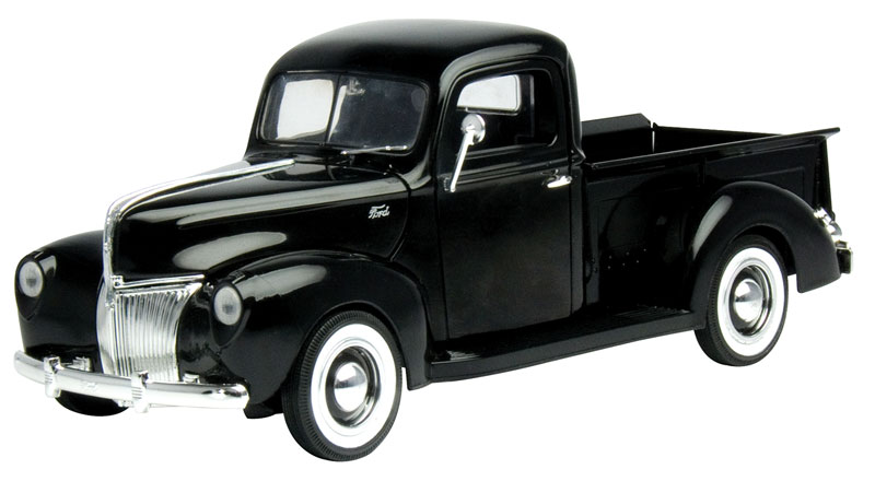 1940 Ford Pickup in Black (1:18)