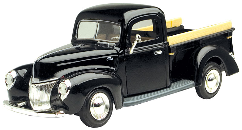 1940 Ford Pickup in Black (1:24)