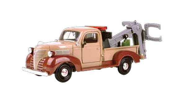 1941 Plymouth Tow Truck (1:24)