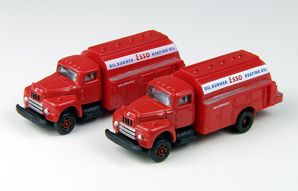Esso Oil - 1953 International R-190 Tank Trucks  (1:160), Classic Metal Works Item Number CMW50340