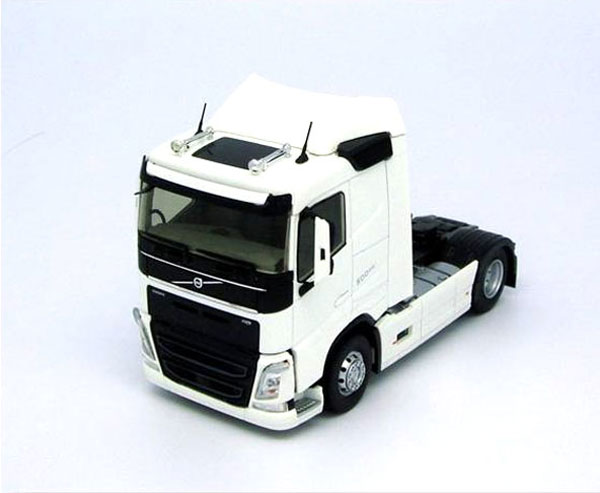 Volvo FH 4 Low Rise Cab in White  (1:43)