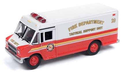 1990s GMC Step Van Delivery Truck in Red & White (1:87)