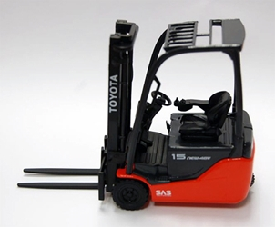 Toyota Traigo 48 Electric Forklift with three wheels - Pallet included! (1:23), ROS, Item Number ROS001428