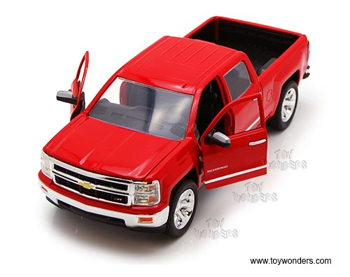 2014 Chevy Silverado Pick-up (2014, 1/24 scale diecast model car, Asstd.)