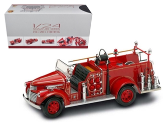 1941 GMC Fire Engine Red with Accessories (1:24), Road Signature Item Number ROS20068
