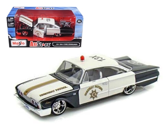 "1960 Ford Starliner Highway Patrol ""All Stars"" (1:26), Maisto Item Number MST31344HP"